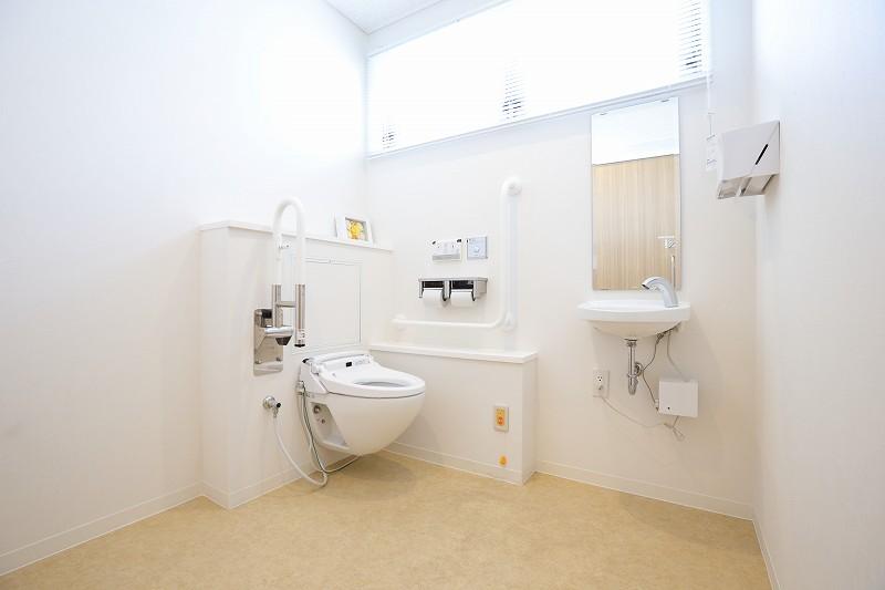院内トイレ